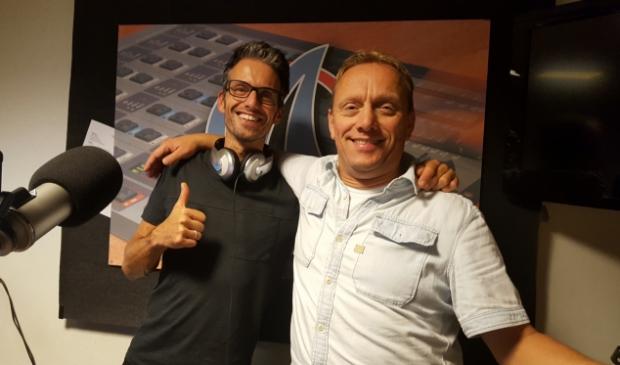 <p>Remko van Voorst en Gert-Jan Bergwerf in een eerdere editie van de Merweradio Top 100.</p>