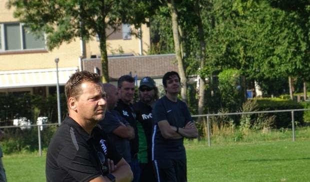 SKV-trainer Marcel van der Hoop (op archieffoto) gaat de Wageningers na een dienstverband van één jaar weer verlaten. Hij treedt met ingang van volgend seizoen in dienst als technisch manager bij zijn 'oude liefde' Blauw Geel '55 in Ede.