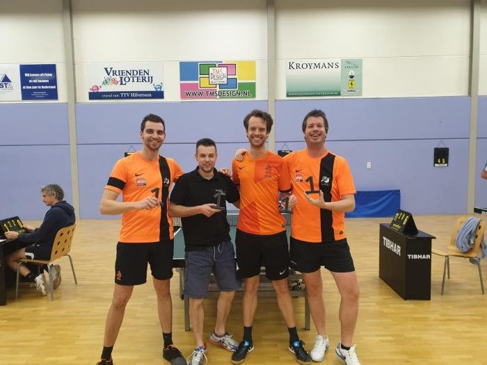kampioensteam Smash v.l.n.r. Mees van Raai, Bert Moesbergen, René Mijderwijk en André Koudijs