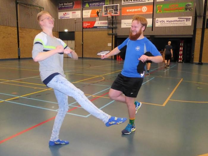 Juriën en Tom maken een vreugdedansje  Wout de Groot © BDU media