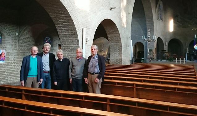 Koorleden Anthony Hollestelle, Hubert Kolkman, Jos de Bouvrie, Wim van der Meij en Jan Willem Keijning treden dit jaar in hun eigen gemeente op.