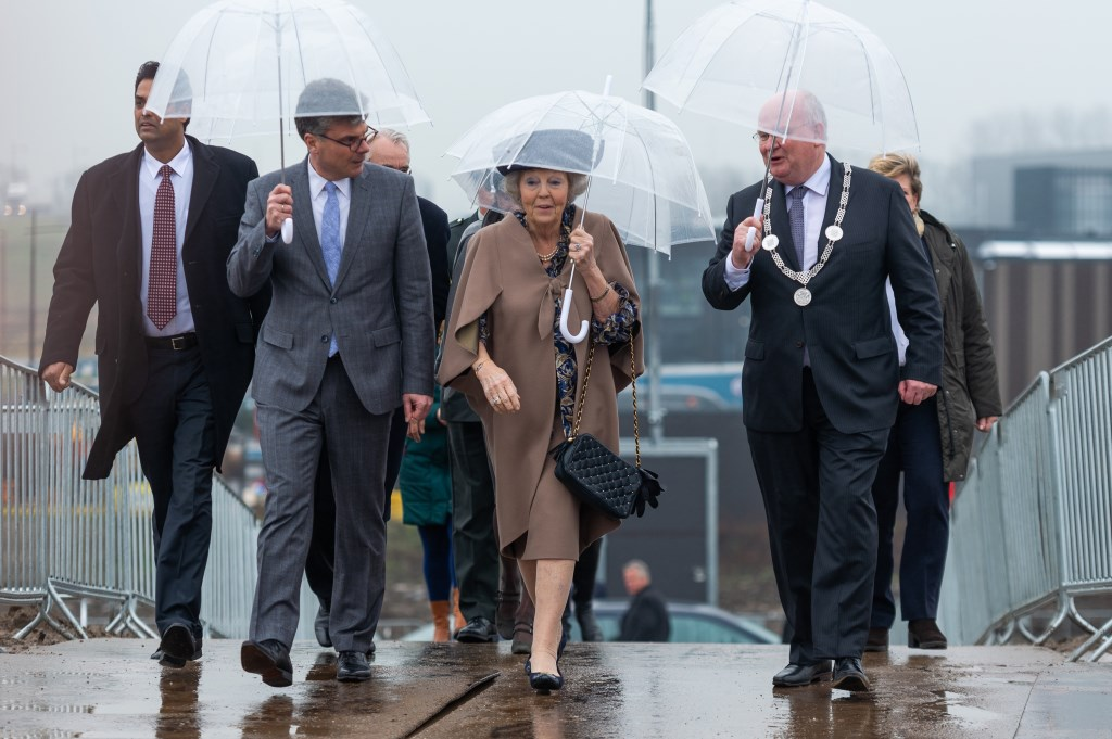 HKH Prinses Beatrix opende de 3e kolk van de Prinses Beatrixsluis