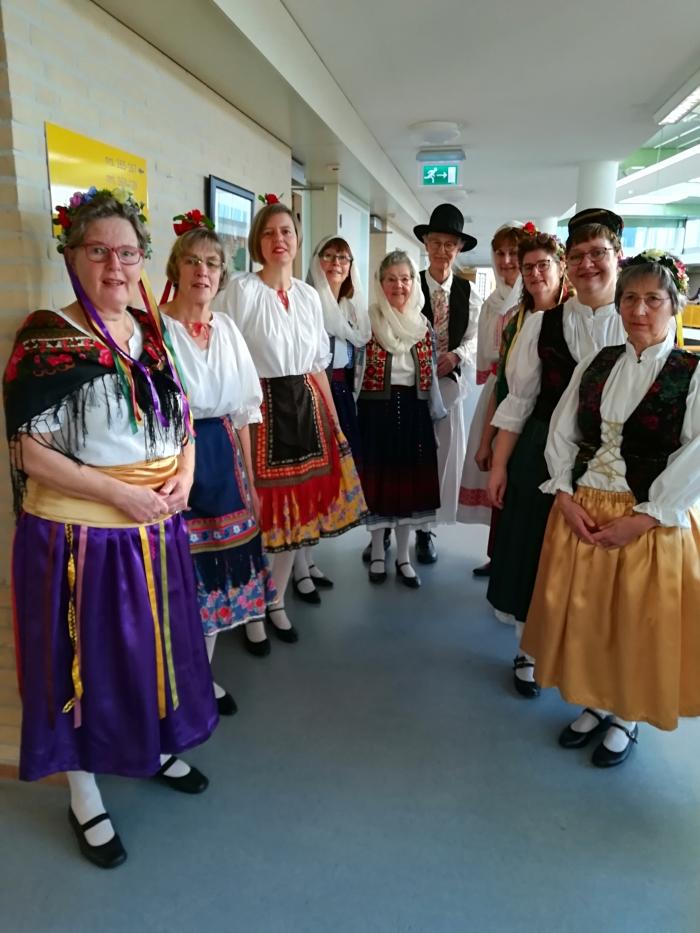 Talima in verschillende kostuums Balkan landen J. den Braanker © BDU media