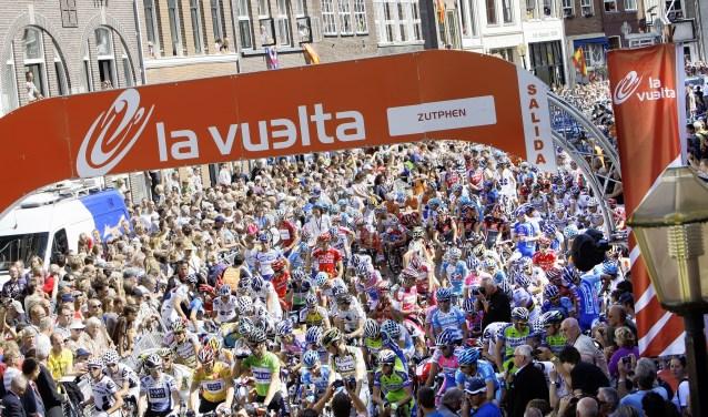 Honderden wielrenners snellen straks door de straten van Amersfoort.