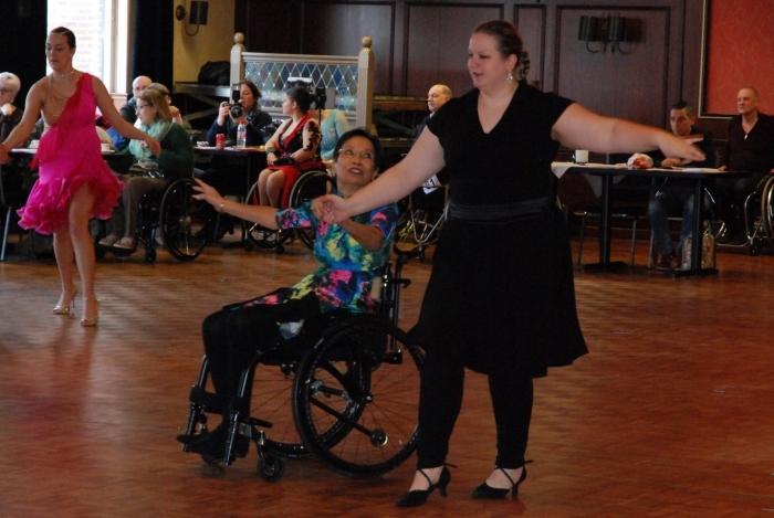 Joan en Linda eerste prijs in A combi latin-1 in