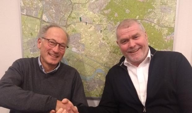 <p>Ralph Hallo (links) stapt na de verkiezingen over naar D66 en Arie Viskil stopt als raadslid</p>
