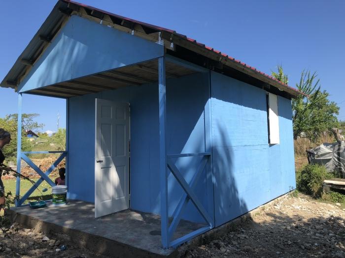 Een van de vier gebouwde huisjes A. Philippo © BDU media