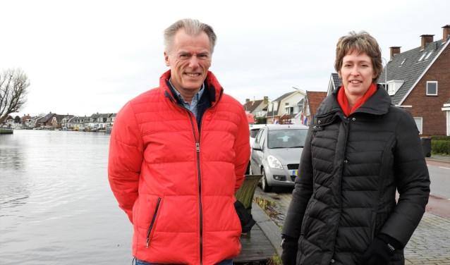 Secretaris Jan Buiten en vertrekkend voorzitter Monique Damen.