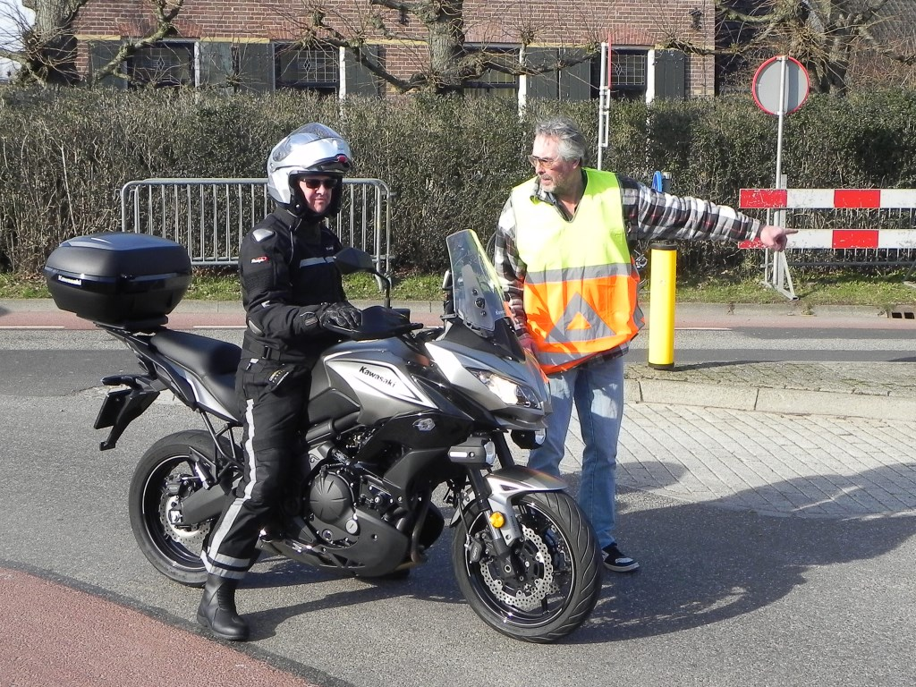 Verkeersregelaar van Paassen had een drukke dag.  Richard Thoolen © BDU media