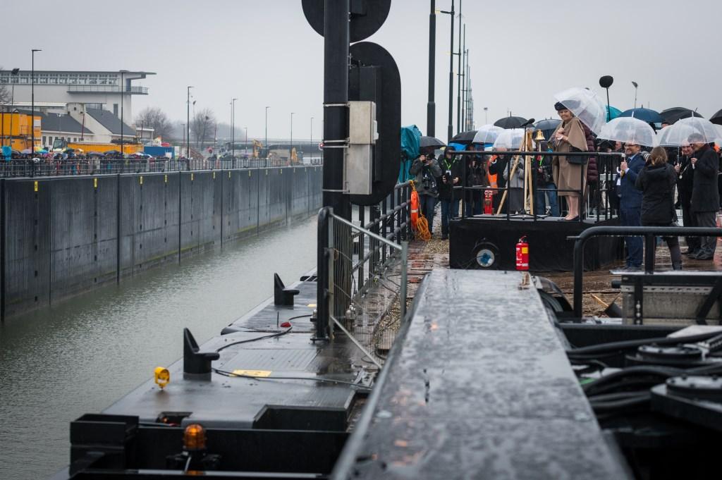 HKH Prinses Beatrix opende de 3e kolk van de Prinses Beatrixsluis Rindert van den Toren © BDU media