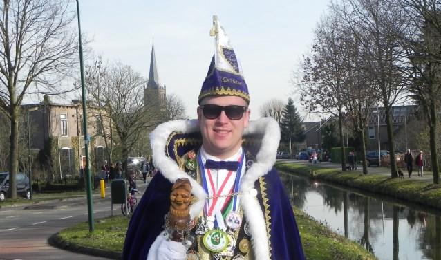 Prins Baswana ziet er op toe dat carnaval in Schalkwijk groots gevierd wordt.