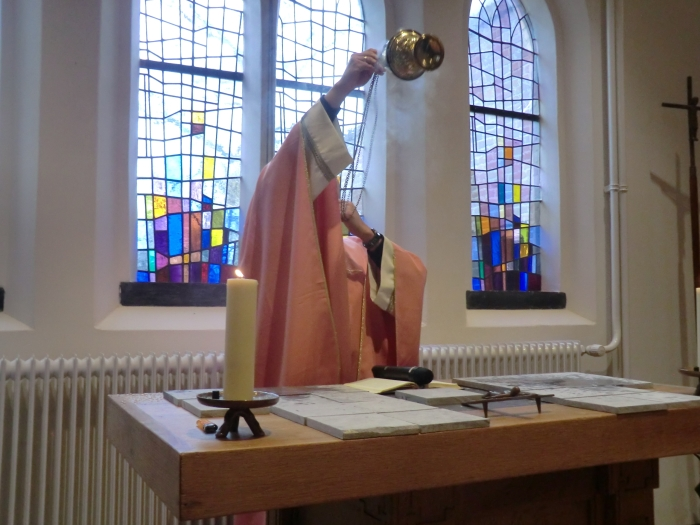 De bewieroking van de kapel n.v.t. © BDU media