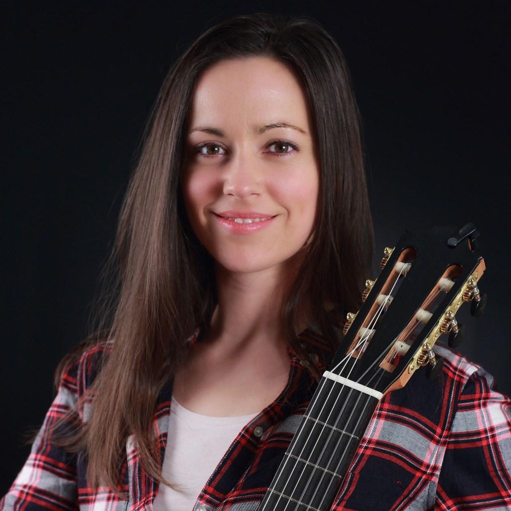 Gitariste Annamária Fábián speelt op zaterdag 9 maart muziek van Piazzolla, Dyens tot Edith Piaf en Cole Porter.