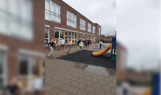 """<p><a href=""""https://www.houtensnieuws.nl/nieuws/algemeen/678453/houtense-basisschool-de-vlinder-in-schoolquarantaine-na-corona-uitbraak"""">https://www.houtensnieuws.nl/nieuws/algemeen/678453/houtense-basisschool-de-vlinder-in-schoolquarantaine-na-corona-uitbraak</a></p>"""