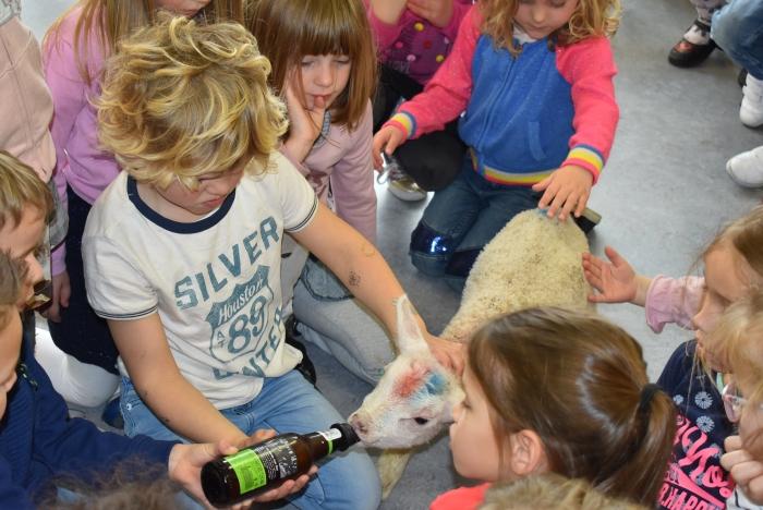 we mogen de fles geven marjan zwart © BDU Media