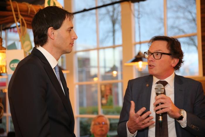 fractievoorzitter Peter Sels vraagt wat de minister kan doen om meer geld naar het onderwijs te krijgen Gert Morren © BDU media