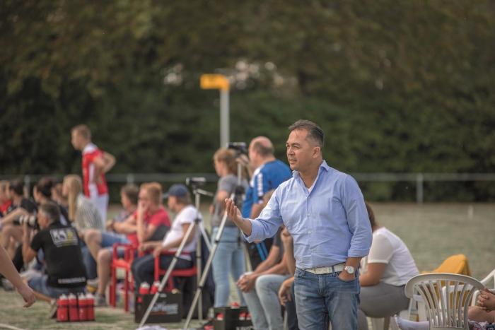 Raymond Mollet blijft hoofdtrainer bij Merwede/Multiplaat
