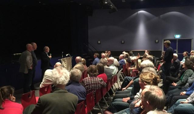 Vele inwoners van de Utrechtse Heuvelrug waren naar SCC De Binder gekomen om hun vragen over de bossen in de regio beantwoord te zien.