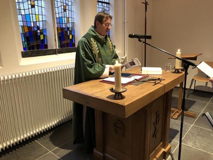 Pastoor Joachim Skiba, ging recentelijk voor het voor in een viering n.v.t. © BDU media