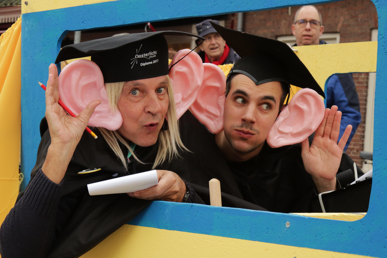 Adjudanten aka Luistervinken Sandra van Dam © BDU