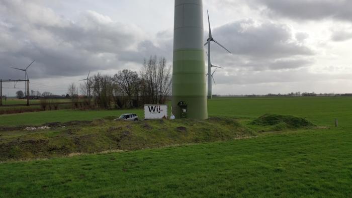 Wij Putten op bezoek bij een windmolen. Ara--John Tigchelaar © BDU media