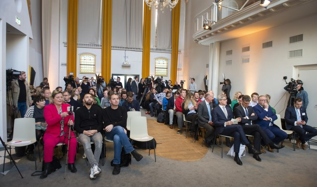 De officiële presentatie van de Koningsdag-route van het koningspaar door de stad Amersfoort, vorige week door burgemeester Lucas Bolsius.