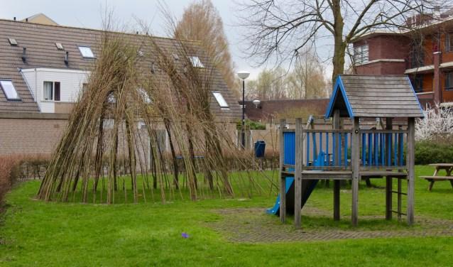 De wilgententhut staat er al, gebouwd door betrokkenen buurtbewoners.