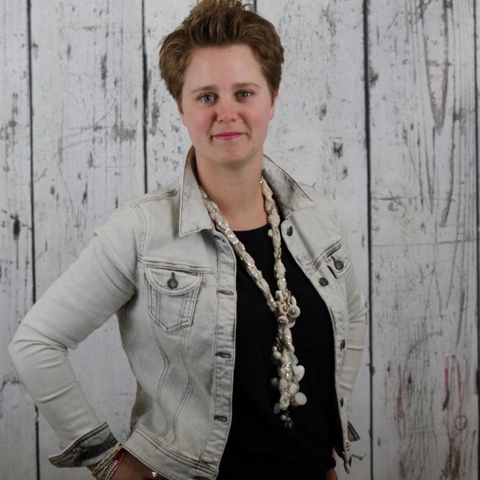 Sandy van Schaik