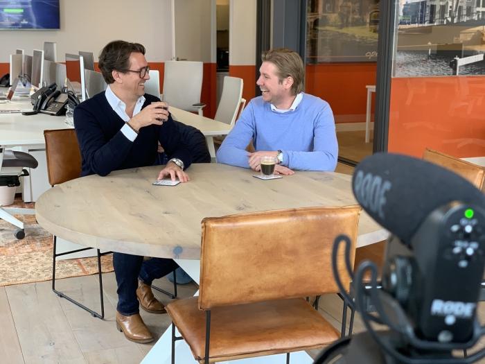 Geurt van Kooten en Sjoerd Vlaming in gesprek met elkaar over het initiatief tijdens de filmdag Timo Ekhart © BDU media