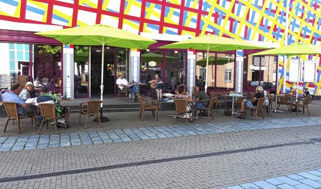 Geen gekke strepen, maar nautische of historische thema's op saaie locaties in Gorinchem