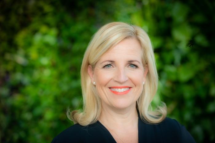 Directeur Particulieren, Eline Spros