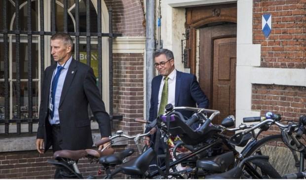 Burgemeester Wienen wordt nog steeds bewaakt.