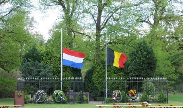 Het herdenkingsmonument op het Fort bij Rijnauwen.