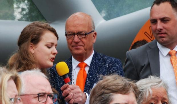 <p>Burgemeester Harry de Vries vorig jaar tijdens Koningsdag.In zijn afscheidsbrief roemt hij onder meer de bruisende Oranjevereniging van Scherpenzeel.&nbsp;</p>