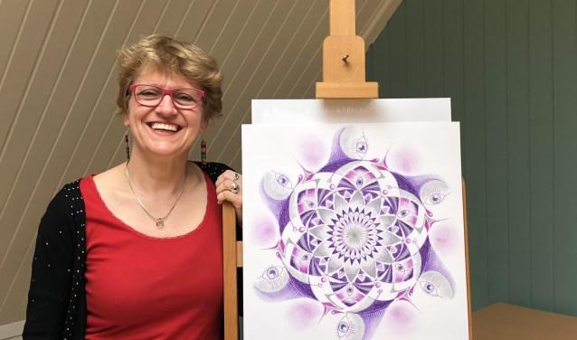 Als mentor leert Gabriëlle Buys anderen zich vrijer te uiten in hun creativiteit.