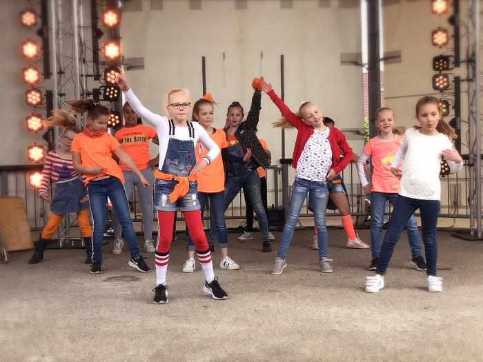 Dansoptreden van Synergos