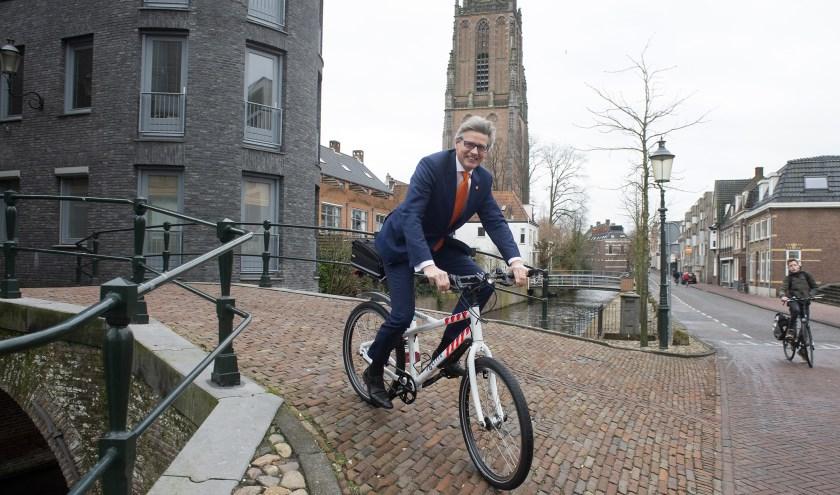 """De burgemeester van Amersfoort spreekt vol lof over zijn inwoners. ,,Samen gaan we er iets moois van maken, daar ben ik van overtuigd. Wij, met z'n allen. Wij, Amersfoort."""""""