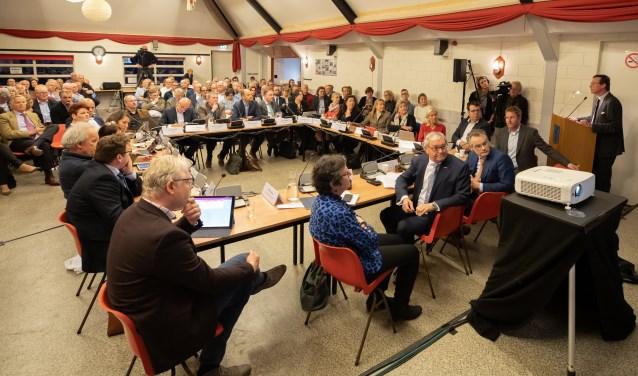 Maar liefst 16 insprekers over Paleis Soestdijk in de Baarnse gemeenteraad.