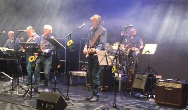Sixties Generation tijdens optreden in Icoon Theater Vathorst.