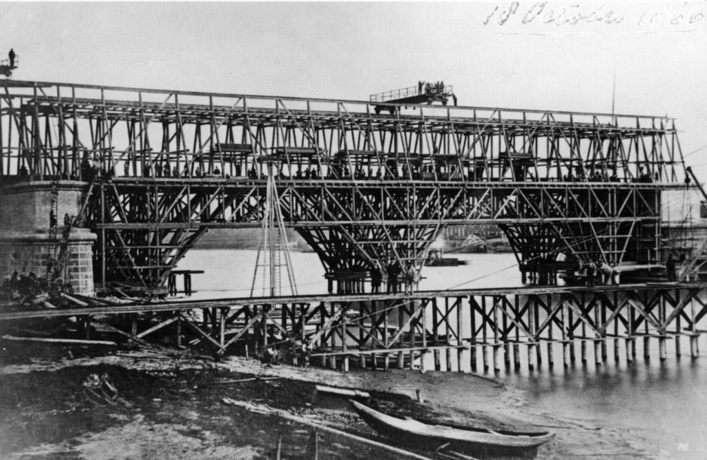 Spoorbrug Culemborg op 18 oktober 1866  Het Utrechts Archief © BDU media
