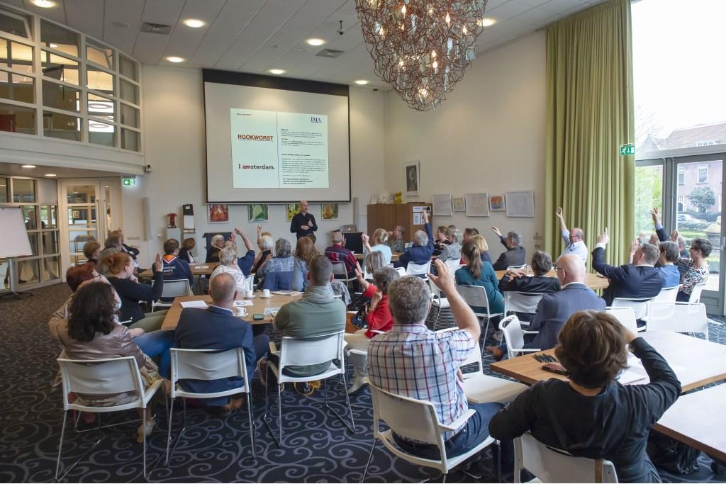Paulus Emden Huitema (bureau IMA) legt uit wat de psychologie achter een sterk merk is Ellen Toledo © BDU media