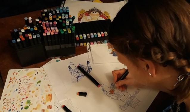 Tessa Kaizer heeft enorm veel tijd zitten in 'Oranjekriebels in Amersfoort'.