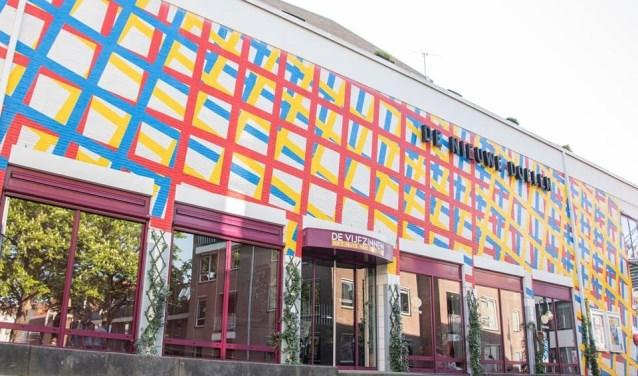 Zolang het theater De Vijfzinnen open kan blijven is er hoop voor de toekomst, zo lijkt het wel.