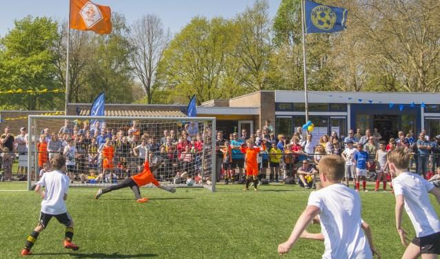 Finale Bunnik '73 JO 11-1 tegen Odijk JO11-1 gewonnen door Odijk middels penaltys tijdens het Peter Zandkuijl en Hans Martijn Ostendorp jeugdtoernooi.