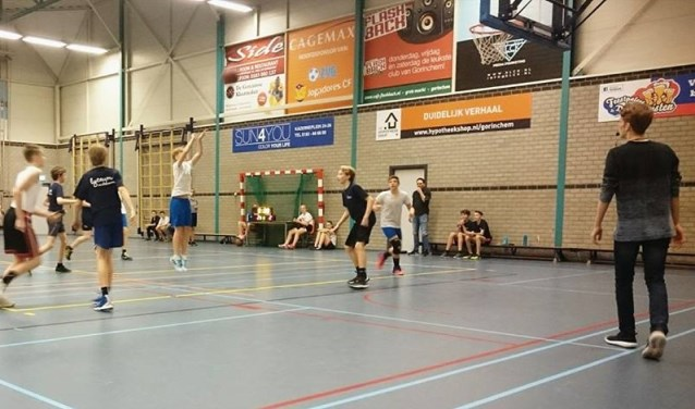 Basketbal is een sport voor bijna alle leeftijden. Bij Goba kun je al vanaf 8 jaar meespelen.