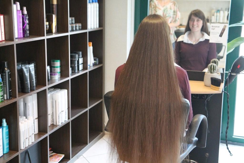 het lange haar van Anica Hannie van de Veen © BDU media