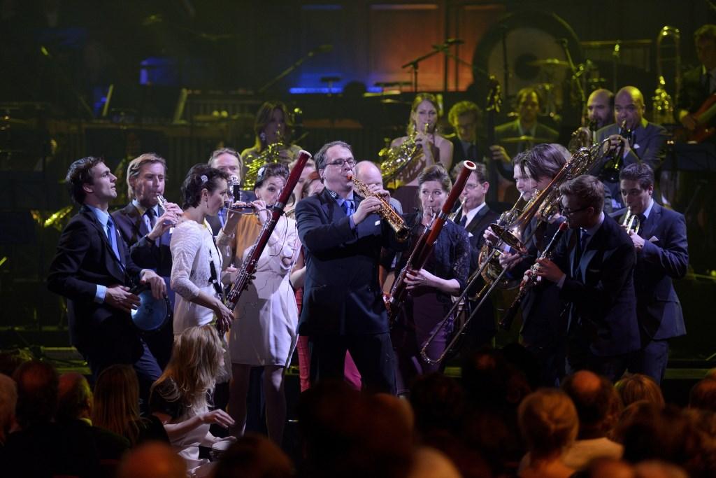 Het Nederlands Blazers Ensemble brengt diverse composities van Bach en Soefi ten gehore.