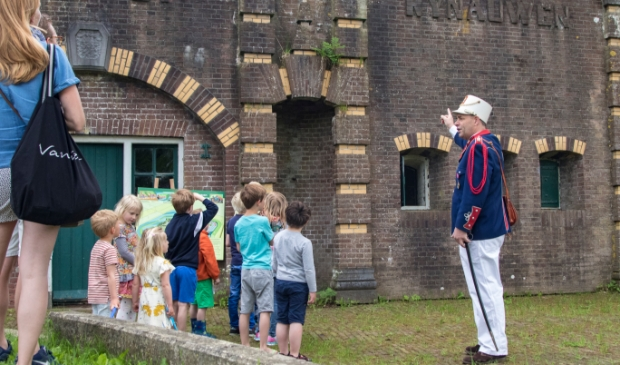 Kapitein Dirk op fort Rijnauwen