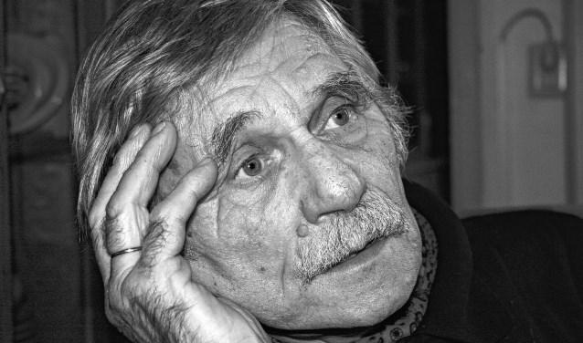 Dichter, beeldhouwer en fotograaf Atze Haytsma word binnenkort negentig jaar.