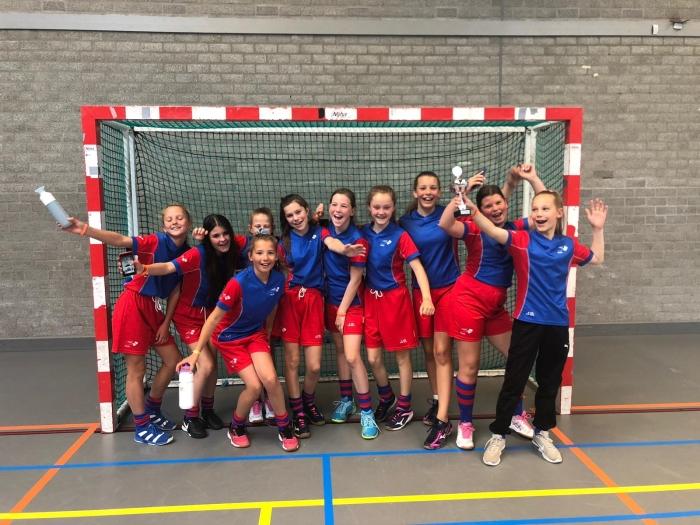 Team School Holk